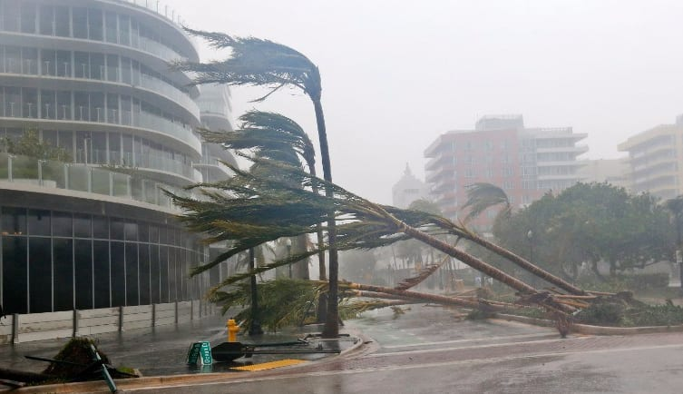 Hurricane Irma hits Florida and destroys Miami