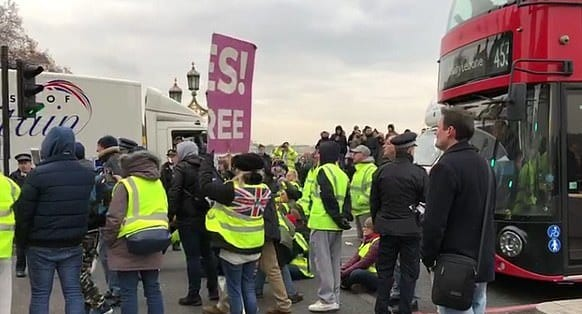 The symbolic 'Yellow Vests' movement comes to London