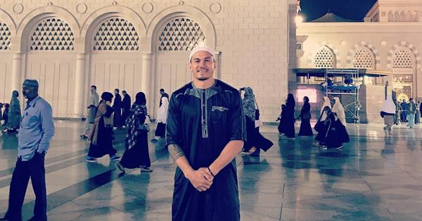 Sonny Bill Williams on his Pilgrimage to the holy city of Makkah & Madinah in Saudi Arabia.