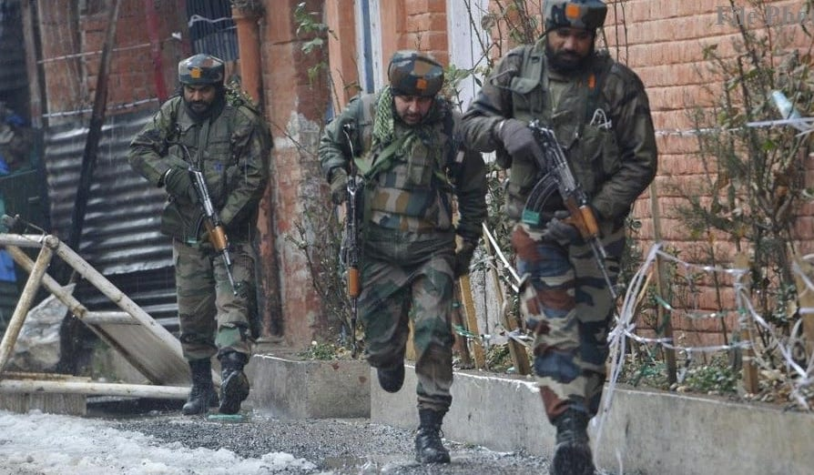 Breaking News: Indian Army shoots 10 people & Kills 1 & Pakistani Army kills 3 Indian soldiers