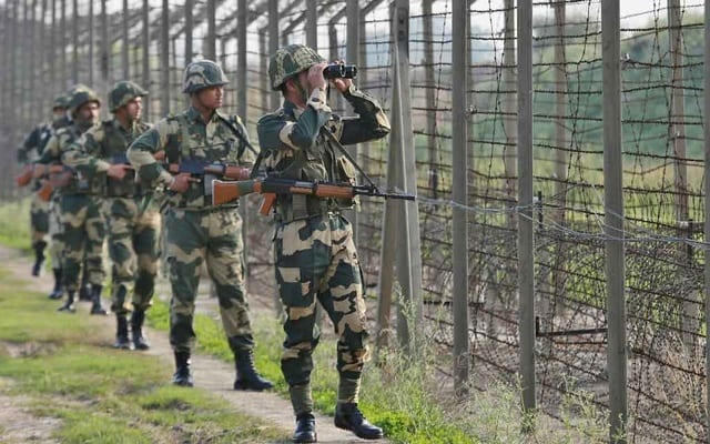 Tension in Kashmir: Chinese workers evacuated after Indian forces open fire on Pakistani area