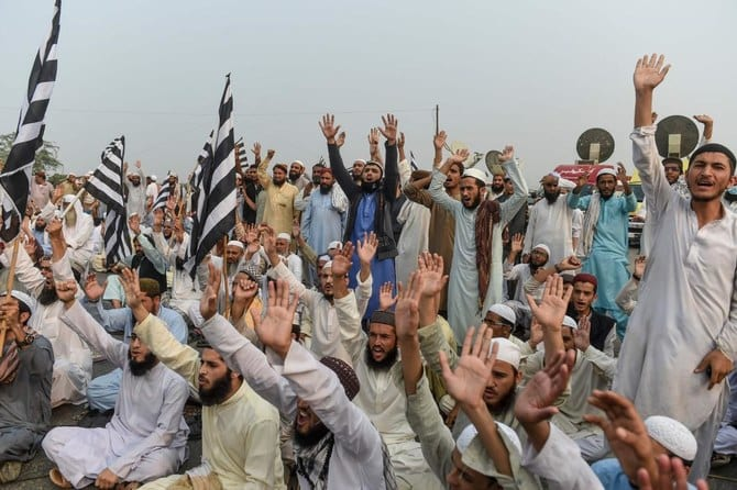 Protests grow in Pakistan as the people want Imran Khan to resign