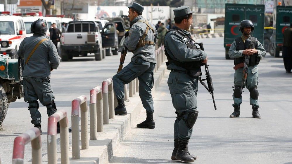 taliban kills 11 at afghan police base