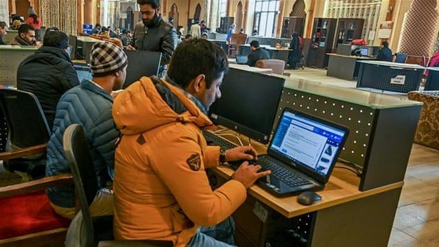 india restores kashmir's internet