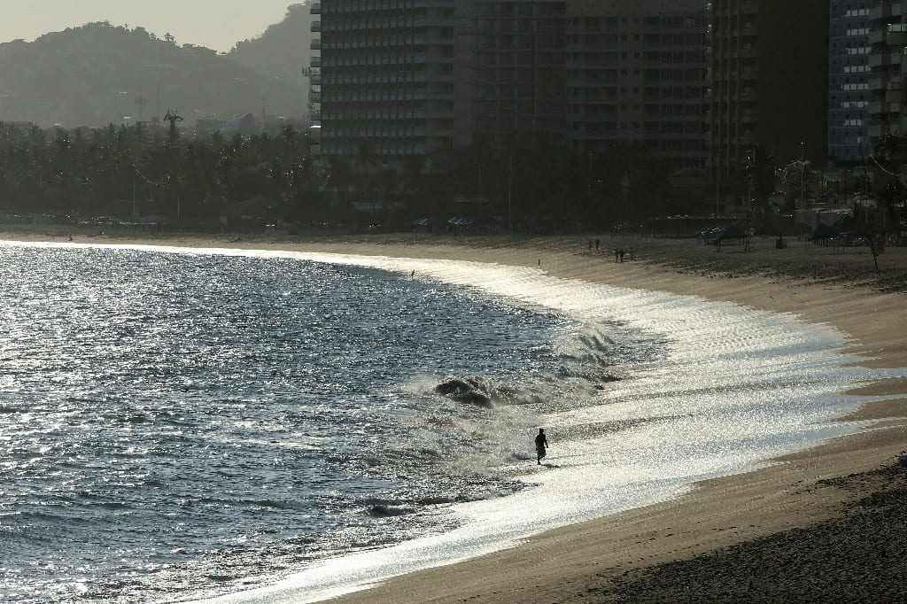 Mexico reopen beaches