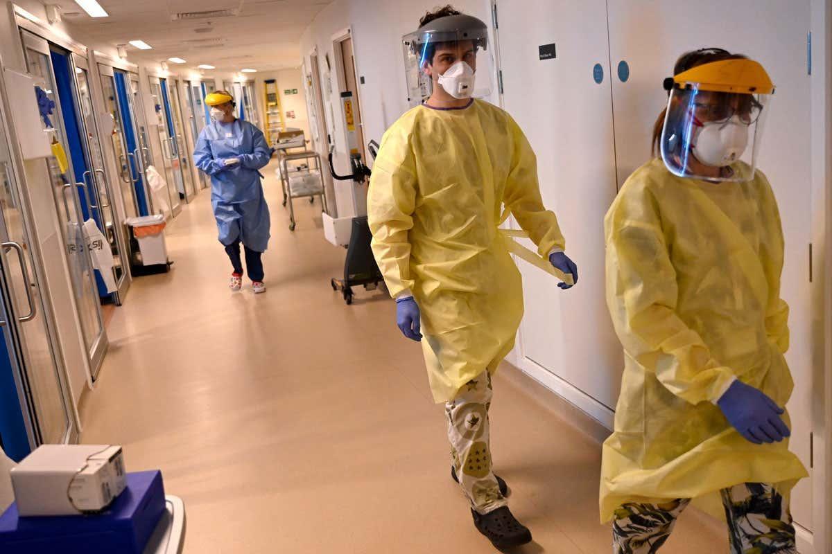 Safety concerns halt the use of 50 million NHS masks