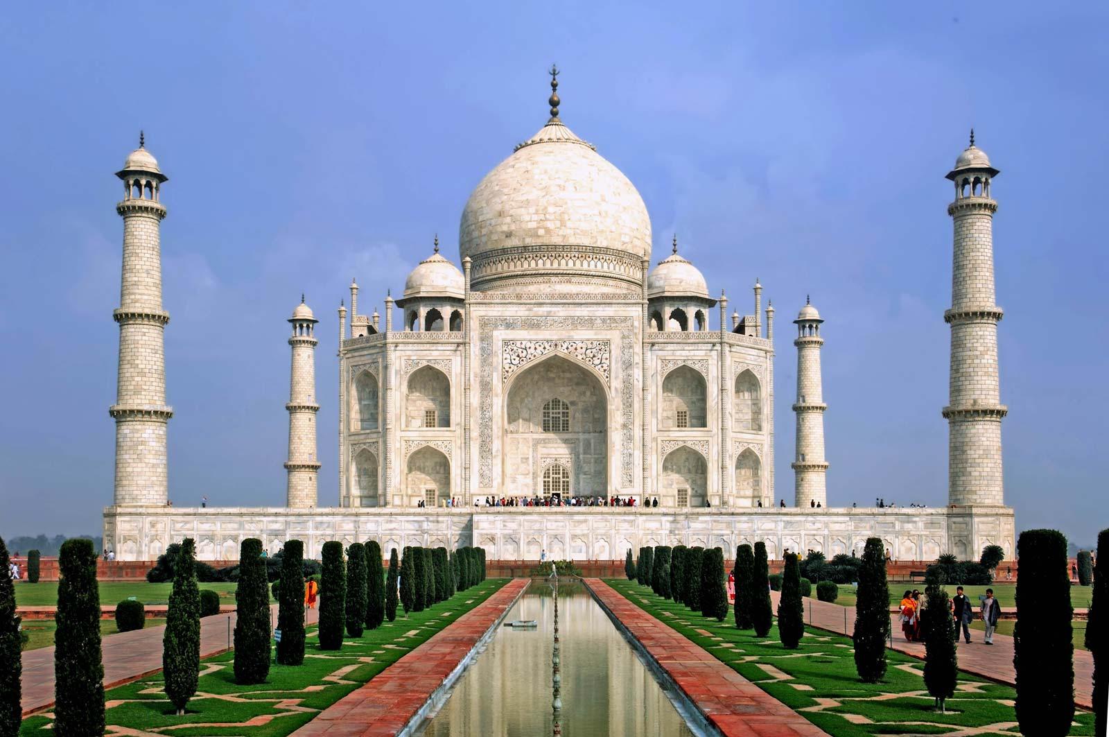 Taj Mahal reopens despite India's Covid-19 cases soaring