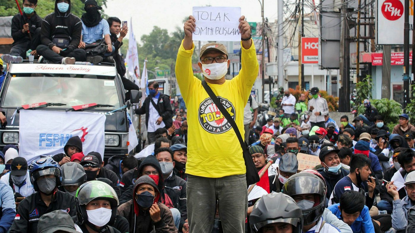 Indonesia workers protest against new labour laws