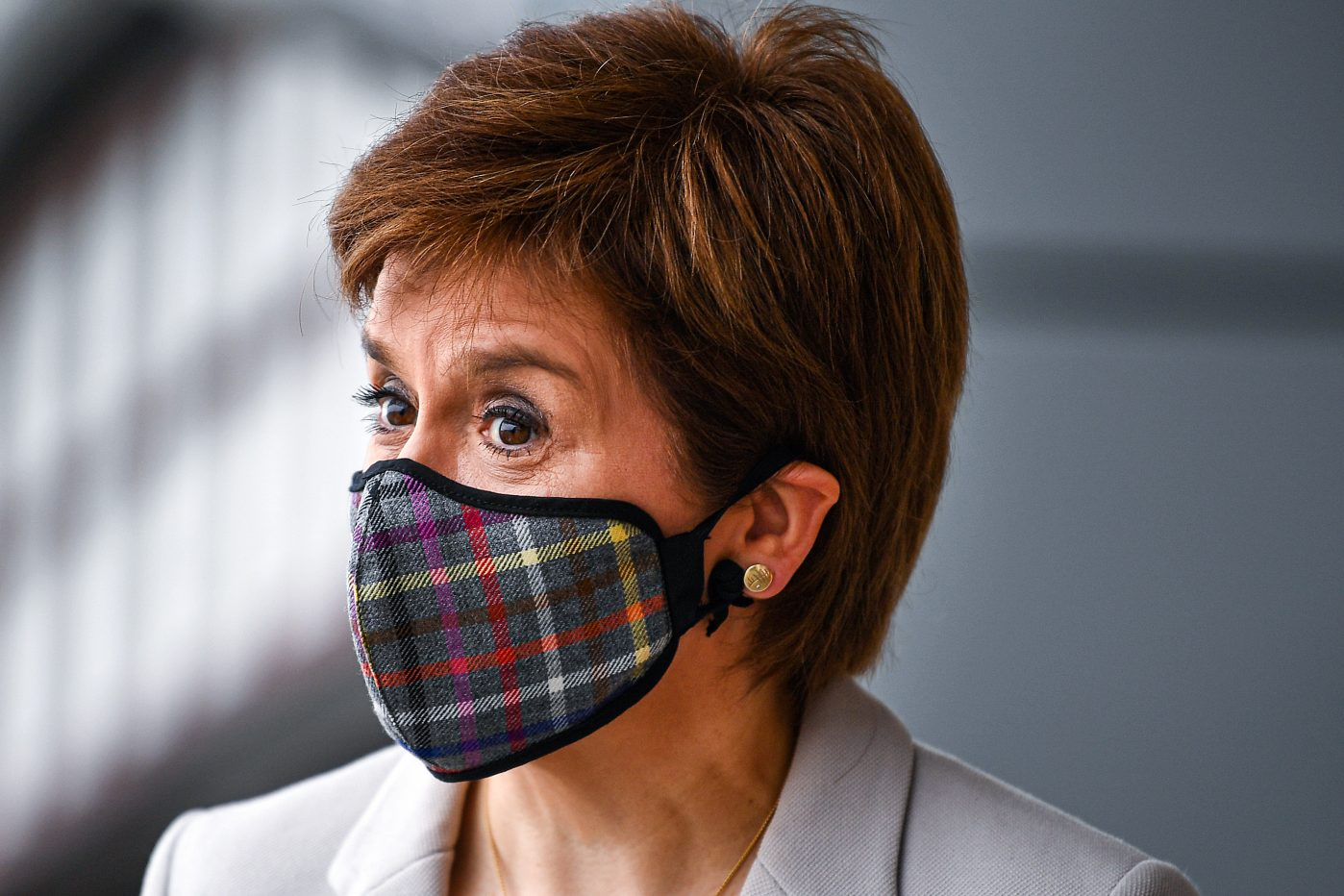 Scotland introduces tighter rules on face coverings