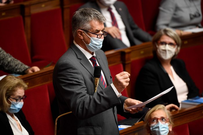 France outlaws discrimination based on regional accents
