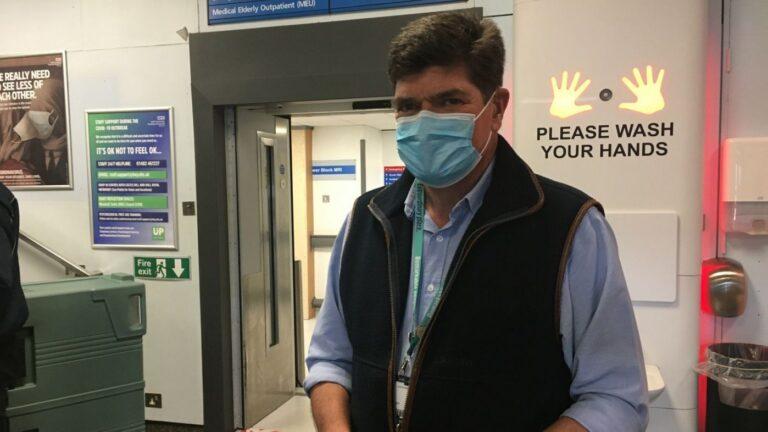 Hull NHS boss calls for tighter lockdown and school closures