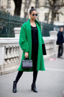 emily in paris online