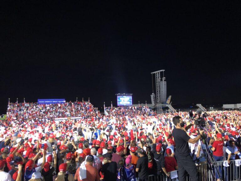 Trump breaks coronavirus curfew at Florida rally
