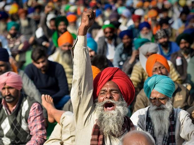 India farm protesters damage over 1,500 telecom towers