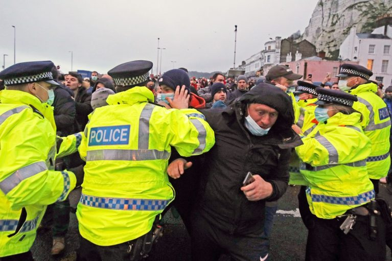 Lorry drivers clash with police as tensions rise over queues in Kent