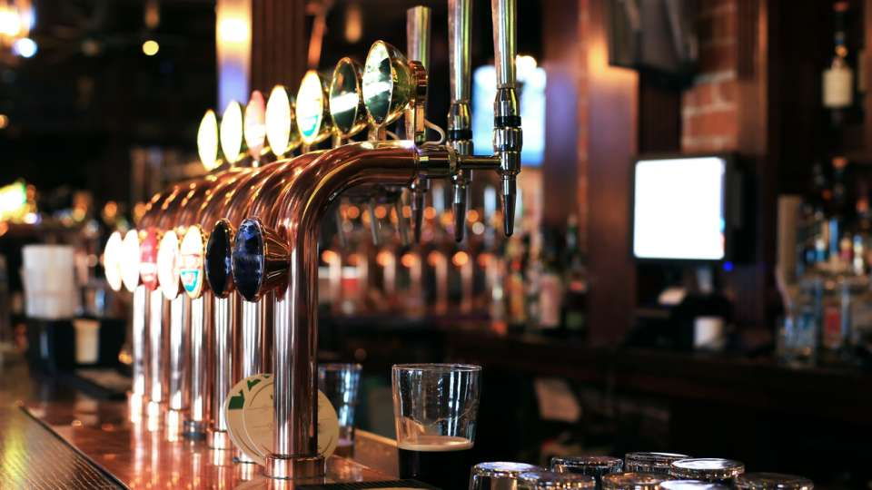 Daily News Briefing: Pub sector pleads for reopening date after DISASTROUS 2020 - Senate votes on impeachment trial