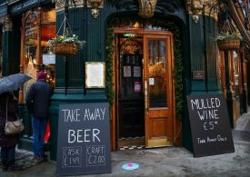 Hospitality: 25,000 British pubs and restaurants still to reopen
