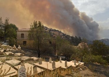 Algeria wildfire death toll rises as 25 soldiers killed