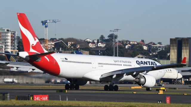 Australian airline Qantas plans to restart flights to UK in December thanks to jabs roll-out