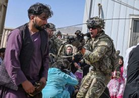 Kabul airlift accelerates as US warns of 'acute' security threats