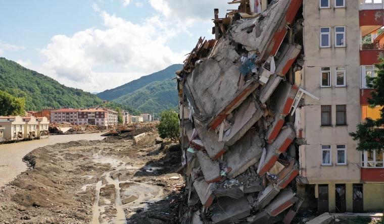 Turkey evacuates flood victims as death toll hits 62