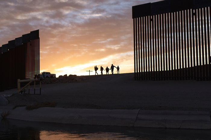 US Supreme Court orders return of Trump-era 'remain in Mexico' asylum policy