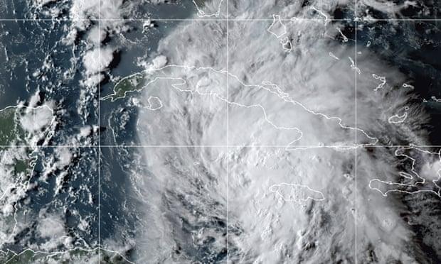 Gulf coast braces for potential hurricane as Ida barrels towards US