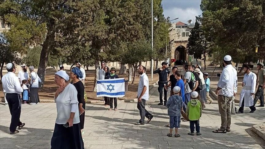More than 1,000 Israeli settlers attack and broke into the Al Aqsa Mosque in the past few days to mark the week-long Sukkot festival