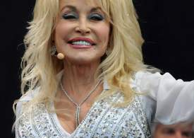 Dolly Parton praised for her response to 'humiliating' questions from Oprah Winfrey in unearthed interview