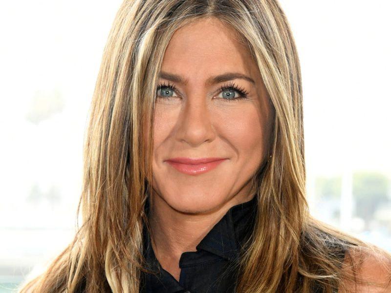Can Jennifer Aniston conquer skincare? LolaVie