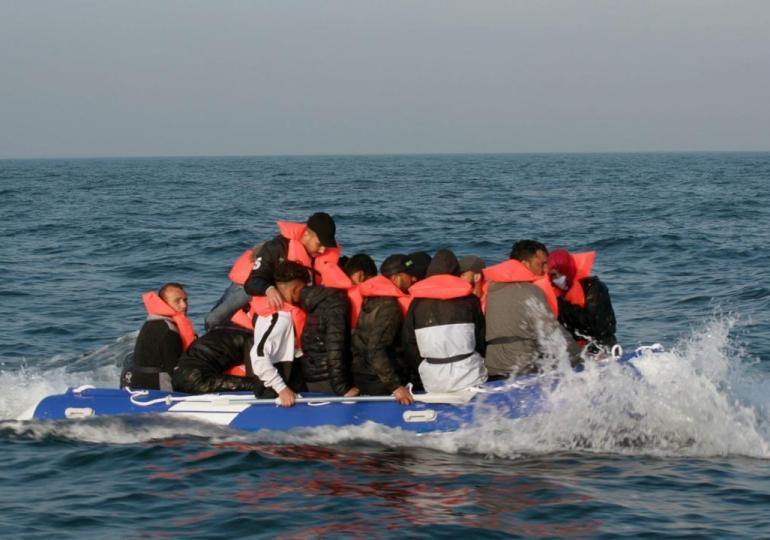 Channel crossings: Priti Patel authorises turning back of migrant boats