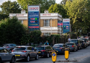 Petrol shortage: no end to panic-buying, says fuel retail boss