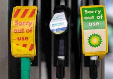 UK petrol stations warn over fuel shortages due to lack of HGV drivers