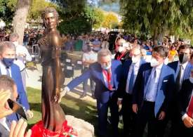 Italy: bronze statue of scantily dressed woman sparks sexism row