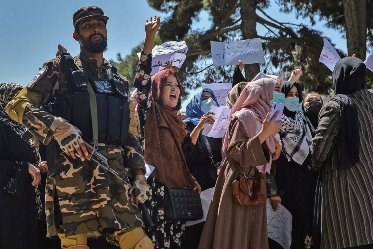 Afghanistan: Protesters run in panic as Taliban fire bullets to disperse resistance supporters in Kabul