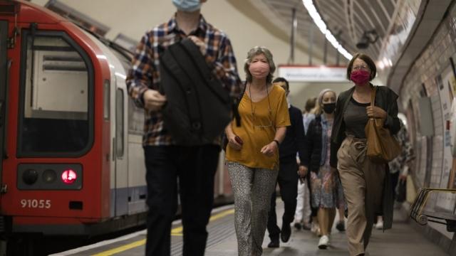 Covid rules: Face masks could be made compulsory under Boris Johnson's winter plan