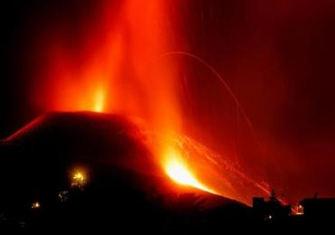 Lava spewing again from Canary Islands volcano, airport remains closed