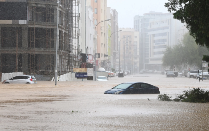 Shaheen cyclone Latest - Seven more people were killed in Oman