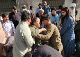 Massive earthquake in Pakistan - At least 20 killed, thousands injured - video