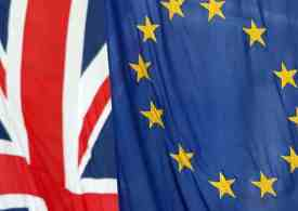 British leavers and remainers as polarised as ever, survey finds