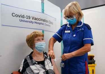 Covid cases 'to plummet by 85% before Christmas' even without Plan B clampdown