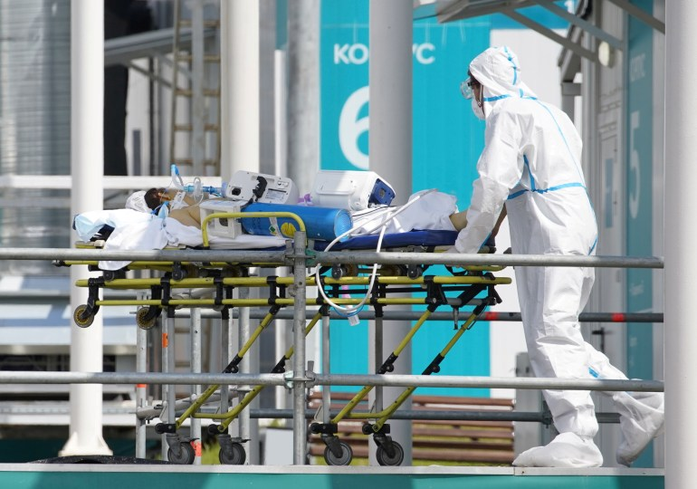 Russia sets daily record for COVID deaths