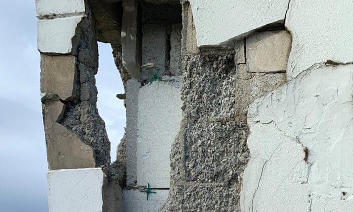 Homeowners demand full payout in Ireland's crumbling homes scandal