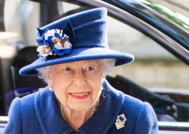 Queen uses a walking stick as she arrives at Westminster Abbey service
