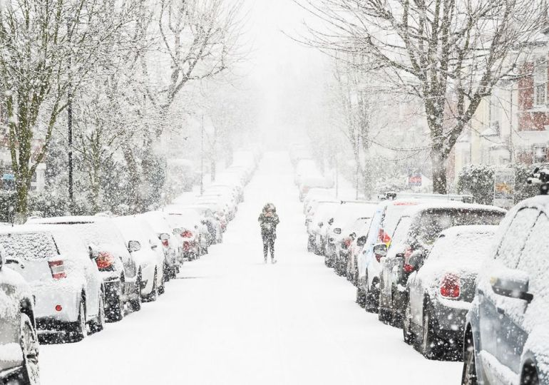 UK weather: White Halloween fears with snow to hit after 21C Indian summer first