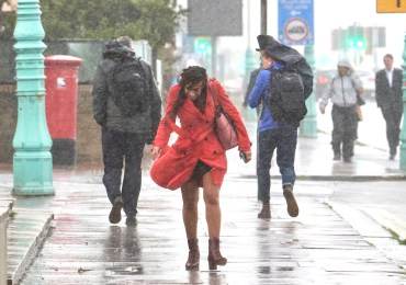 UK weather: Ten days of rainstorms from TODAY with snow forecast later this week as Arctic blast sends mercury plunging